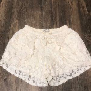 Abercrombie kids off white lace shorts sz 11/12